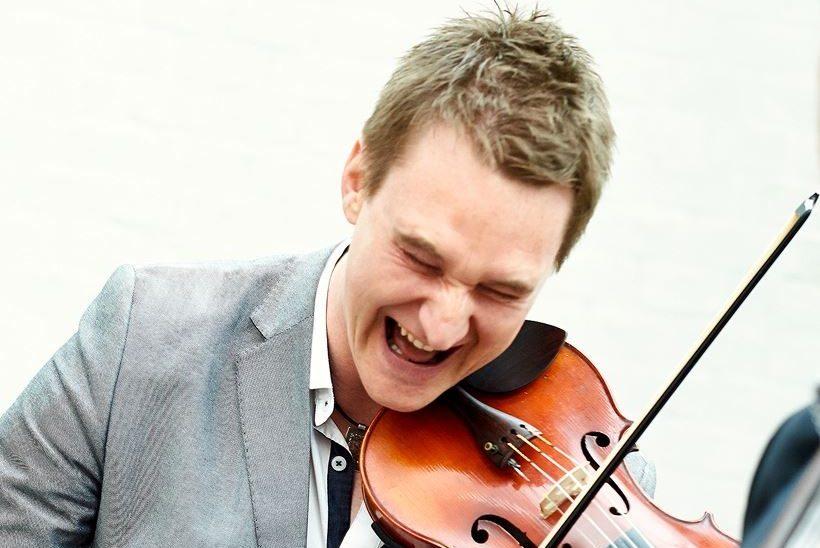 Kevin Henderson - Fiddle